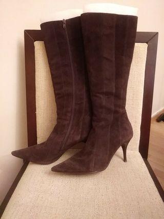 botas ante piel marron chocolate diseño