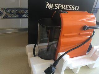 Cafetera nespresso inissia 49€
