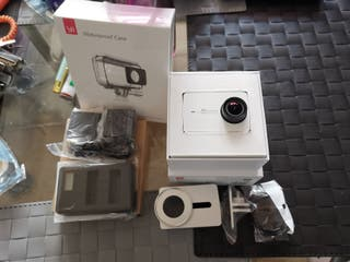 cámara acción YI 4K ( XIAOMI)+BATERÍAS+FUNDA AGUA