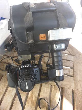 Cámara de fotos Nikon F70