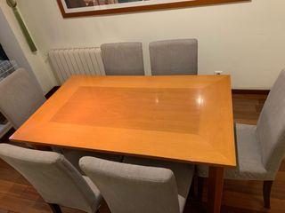 Mesa comedor y sillas urge venta