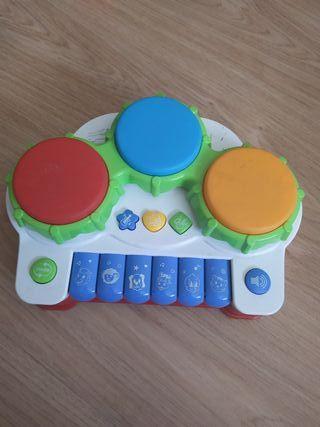 piano y tambor infantil