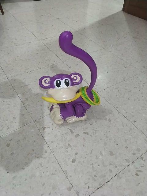juego de mono con aro y platno
