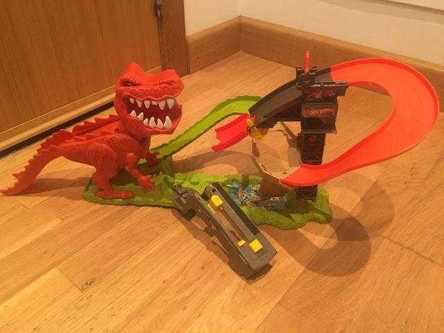 Hot Wheels T-Rex Takedown