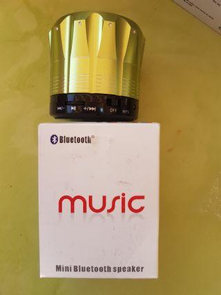 Mini bluetooth speaker. Metálico.
