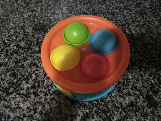Tambor infantil con bolas
