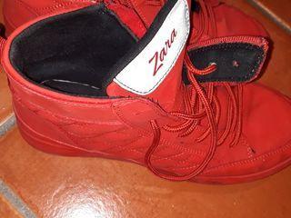 botas deporte Zara rojas
