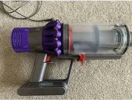 Dyson V10 pet and extras