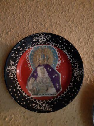Plato cerámica la Cartuja de Sevilla