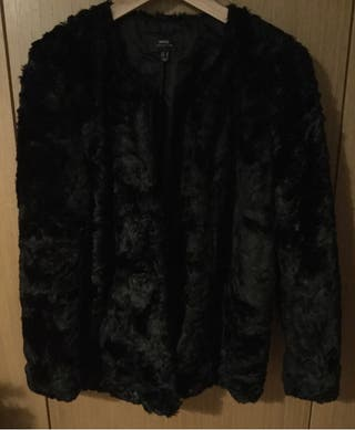 Abrigo negro de pelo sintetico de Mango,talla S