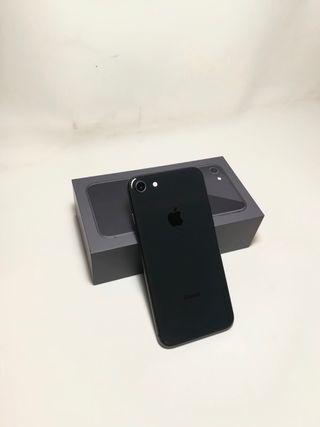 iPhone 8 64GB negro con protector