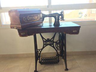 Maquina de coser Antigua Gritzner Durlac