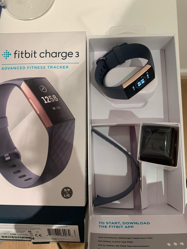 FITBIT CHARGE3