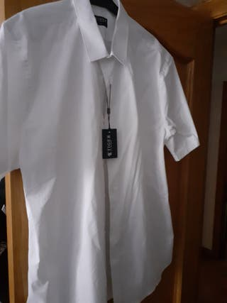Camisa blanca hombre