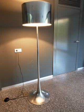 Lámpara de pie de FLOS