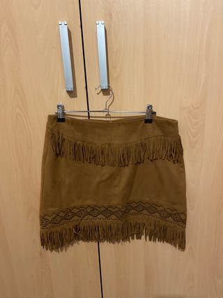 Falda marrón flecos
