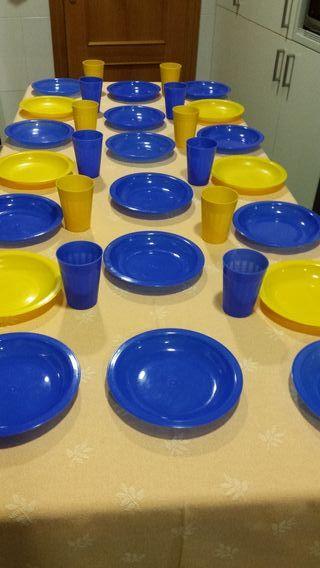 Set platos y vasos colores