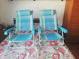 Dos sillas bajas para la playa