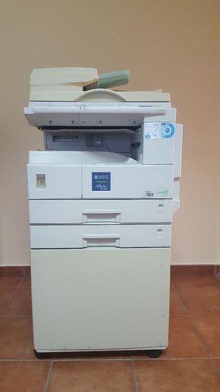 Fotocopiadora e impresora RICOH Ático 2018D negro