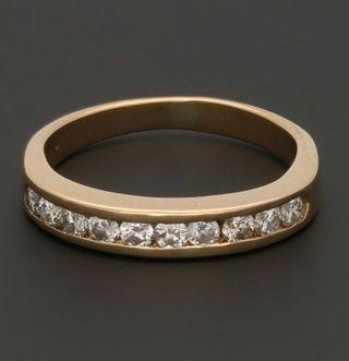 Anillo Oro 18 K y 10 Diamantes Corte Brillante