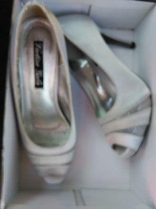 Zapatos fiesta boda plateado