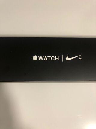Apple Watch Serie 4 GPS + 4G (40mm) - Serie Nike