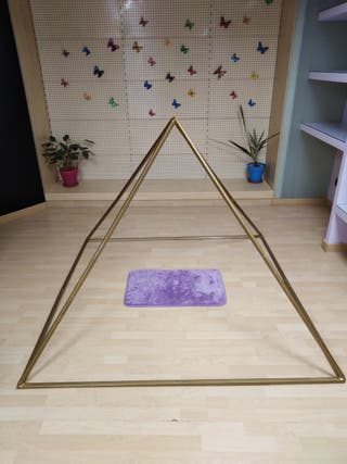 Pirámide para meditación