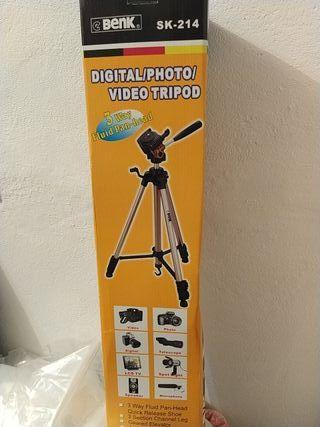 Trípode cámara foto, video, micro, foco marca BENK