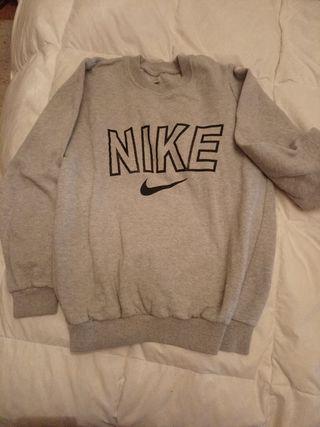 Sudadera Nike Basic. Talla S