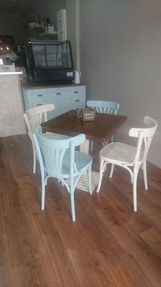 Sillas, mesas y sillones cierre cafetería