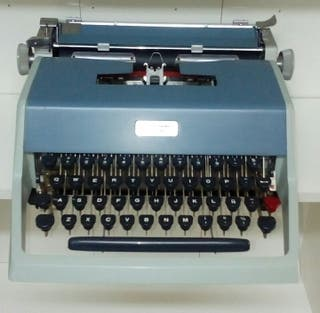 Maquina de Escribir OLLIVETTI
