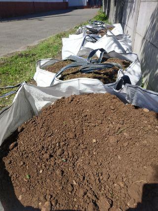 Big bags de tierra natural sin cribar