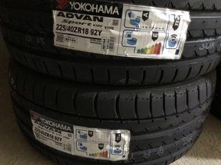 2 neumáticos 225/40R18 Yokohama