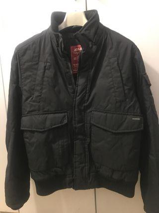 Abrigo Zara negro de segunda mano en Sant Boi de Llobregat