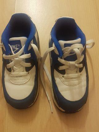 nike zapatillas niño 25