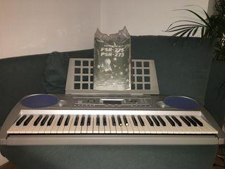 Un teclado PSR-275 Yamaha