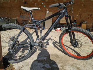 Bicicleta de descenso/enduro