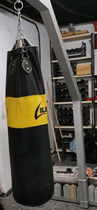 Saco de boxeo y soporte de pie