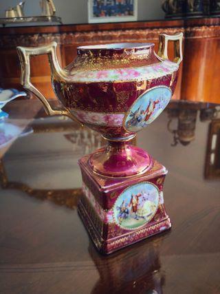 Copa centro porcelana siglo XIX