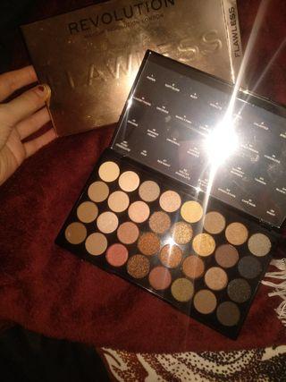 paleta flawless makeup revolution nueva