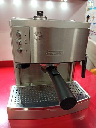 Cafetera expresso DeLonghi EC700