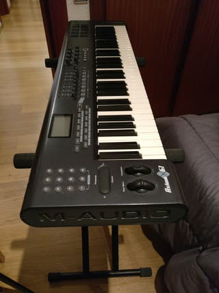 Teclado MIDI M-Audio Axiom61 + EXTRAS