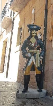 Figura pirata grande