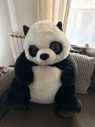 Panda gigante de peluche