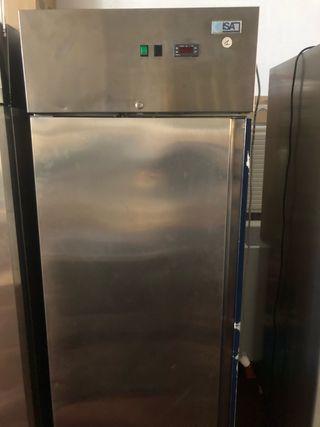 Congelador vertical Pastelería ISA