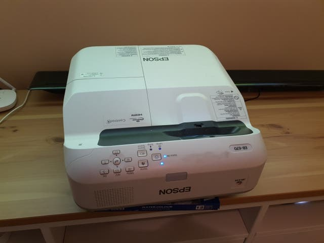 Proyector Epson EB-670