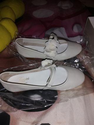 se vende zapatos de comunión Tizzas