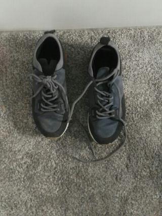 Zapatillas para niño de segunda mano en Las Rozas de Madrid