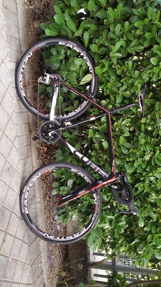 Bicicleta Ciclocross/Gravel Cube L