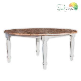 Mesa redonda de madera rústica
